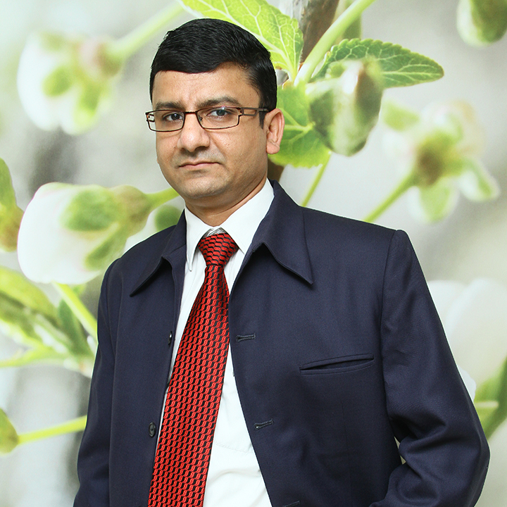 Dr Navdeep Chavan, Cosmetic Surgeon